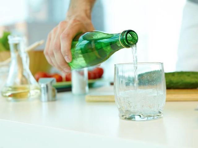 Gesundheit: Kann geöffnetes Mineralwasser schlecht werden?