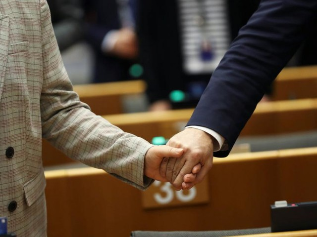 EU-Parlament: Brexit stärkt die Rechten