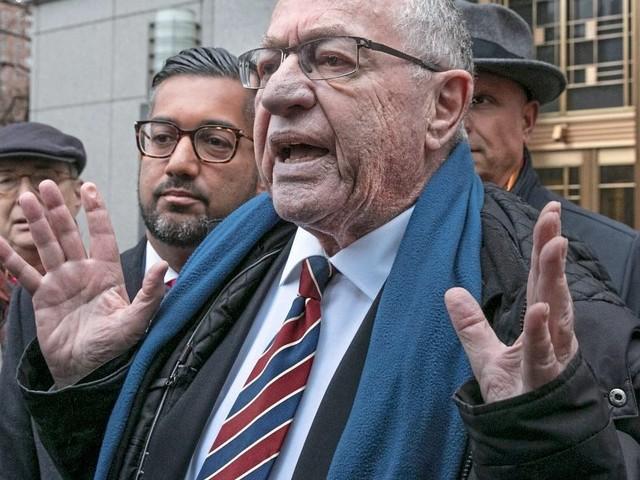 Alan Dershowitz, Trumps schillerndster Verteidiger