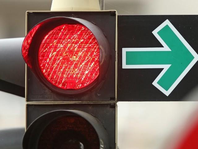 DDR-Relikt: Beim Grünpfeil sehen Verkehrsexperten rot
