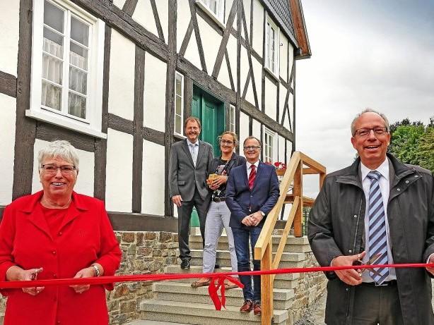 Freilichtmuseum Detmold: Kreuztal: Haus Stöcker im Freilichtmuseum Detmold eröffnet