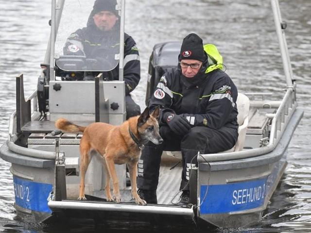 Vermisste 15-Jährige - Jetzt auch mit Tauchern: Suche nach Rebecca an Brandenburger See geht weiter