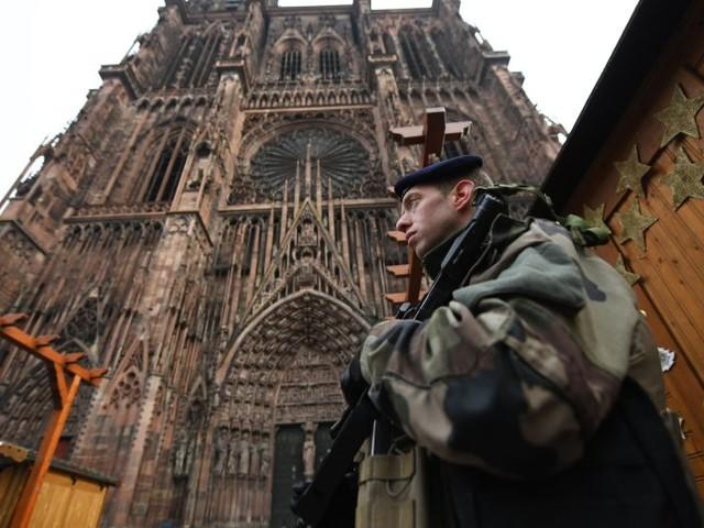 Schüsse auf Straßburger Weihnachtsmarkt: Frankreichs Behörden gehen von islamistischem Anschlag aus