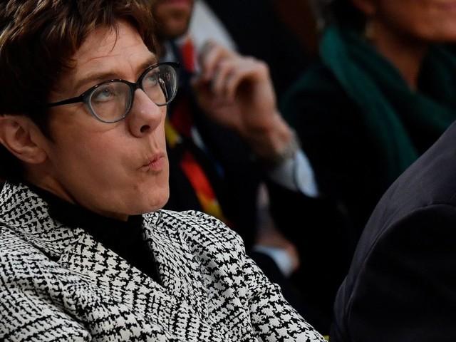 Flüchtlinge: CDU-Chefin AKK hält Grenzschließung für möglich
