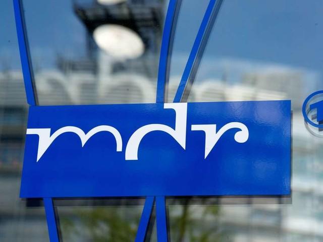 Beliebter MDR-Moderator gestorben: Er war nicht nur wegen seiner Schlager-Shows Kult