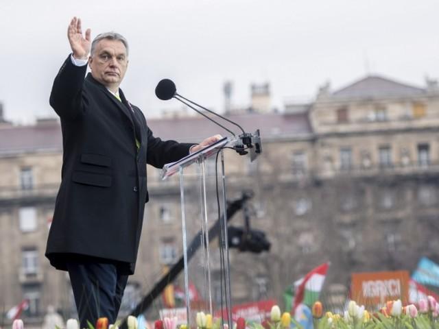 Viktor Orbán kämpft gegen den bösen Rest der Welt