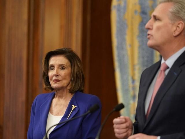 Anführer der Republikaner scherzt über Gewalt gegen Nancy Pelosi