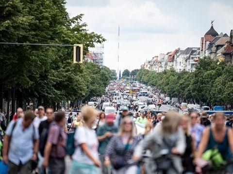 Corona-Politik: Ruhige Lage vor Demo-Tag in Berlin - Großeinsatz für Polizei