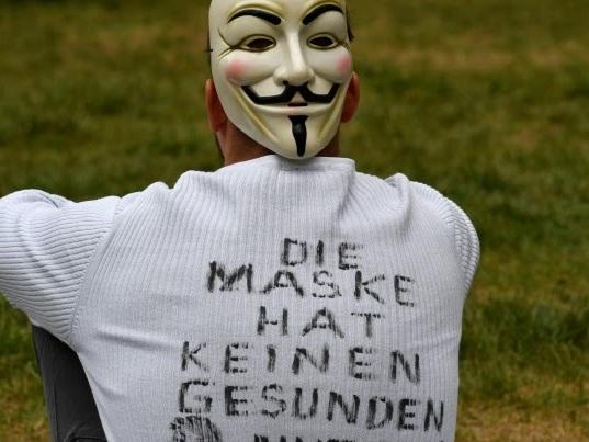 Schweden - Eine Maske zu tragen bringt nichts