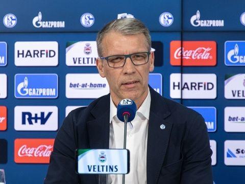 Coronavirus: Impfbus zum Saisonauftakt vor dem Schalker Stadion