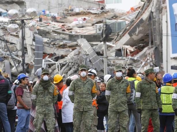 Naturkatastrophe: Fünf Tote bei Nachbeben in Mexiko – Vulkan stößt Asche aus