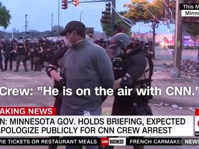 Video: CNN-Reporter wird live im Fernsehen verhaftet