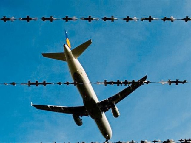 Kritik und Lob für Gesetzpaket zu Asyl und Abschiebung