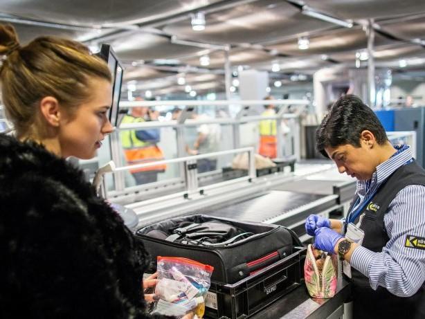 Flughafen: Flughafen Düsseldorf schreibt Sicherheitskontrollen neu aus