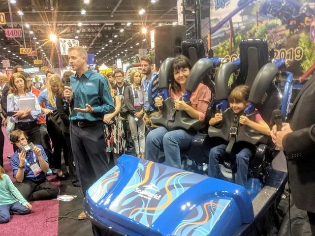 """SeaWorld San Diego enthüllt Zug von """"Tidal Twister"""": Einzigartige Überkopf-Attraktion für 2019"""