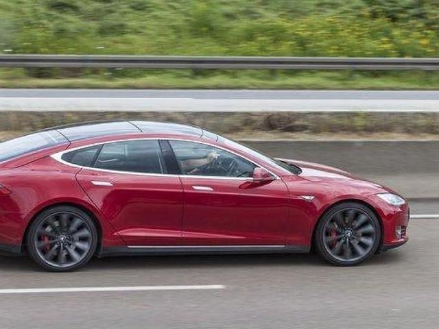 Tempo-Kampf am Nürburgring - Tesla blamiert Porsche: Model S auf der Nordschleife 20 Sekunden schneller als Taycan