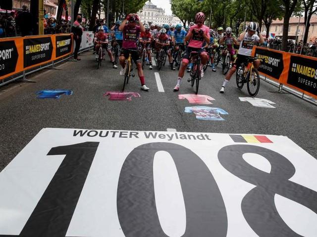 Triumph und Tragödie: Giro-Etappe im Gedenken an Wouter Weylandt