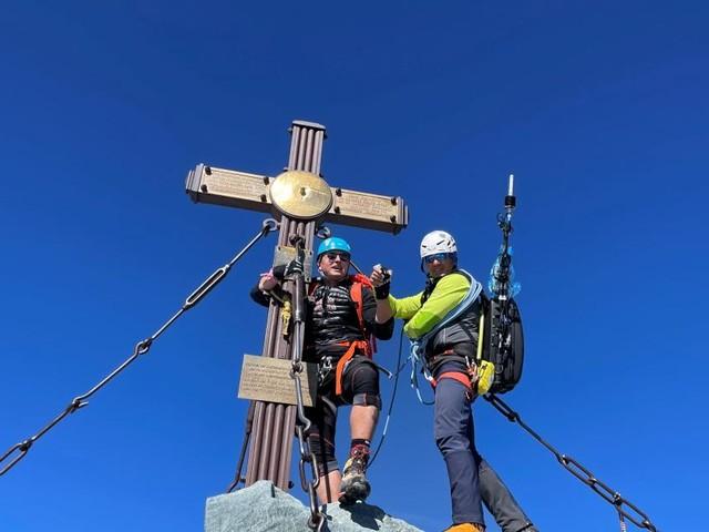 Gabalier am Gipfel: Wenn große Posen der großen Natur weichen