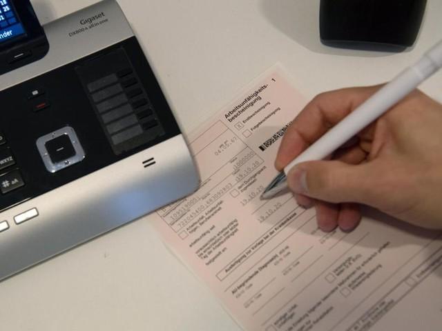 Sonderregelung verlängert: Krankschreibung per Telefon weiterhin möglich