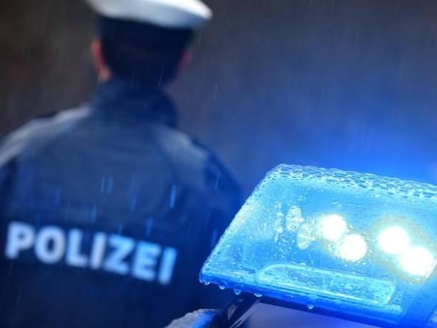 Kriminalität: Falsche Polizisten bringen 82-Jährige um 18 000 Euro