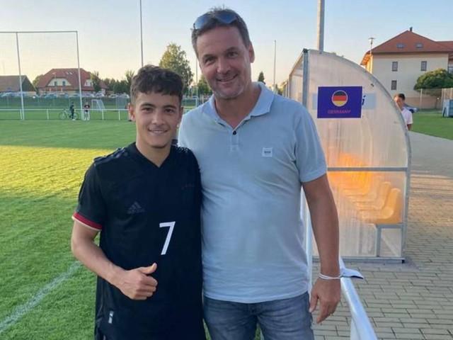 Sohn von Markus Baur spielt für DFB: Fußball, Handball? Sport prägt