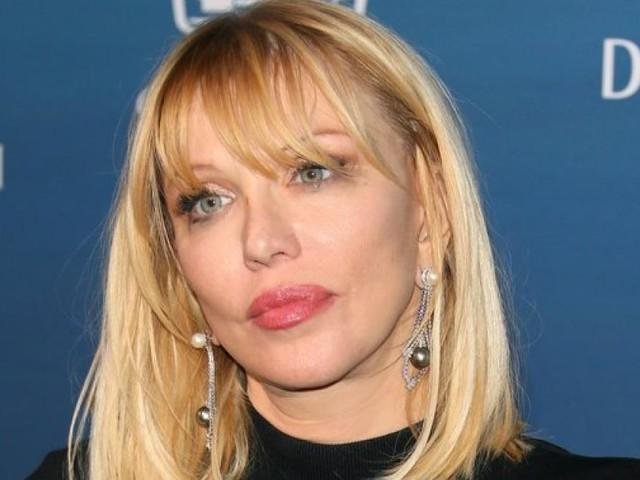 Courtney Love stärkt Britney Spears weinend den Rücken