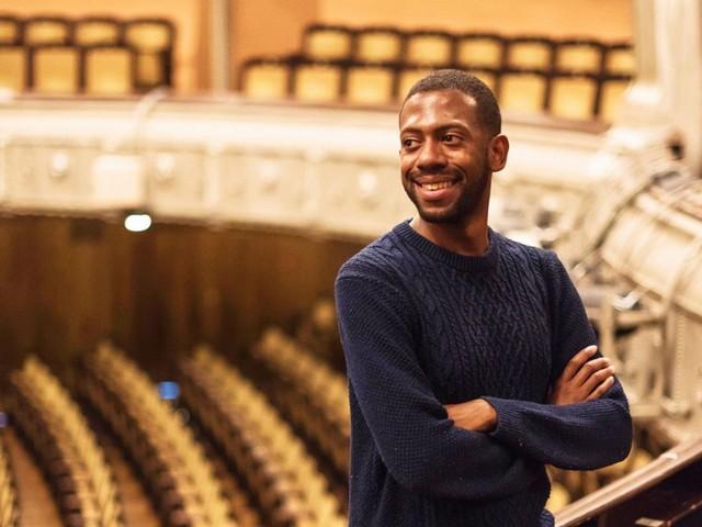 """Elliott Carlton Hines von der Stuttgarter Oper: """"Die AfD will uns Ausländer nervös machen"""""""