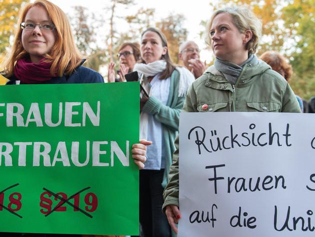 Streit um §219a: CDU hat Zeit, Schwangere nicht