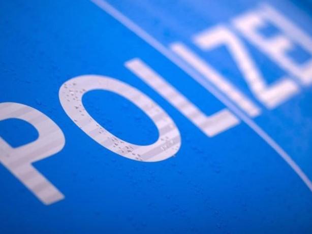 Kriminalität: 62-Jährige hilft schwangerer Frau und wird bestohlen