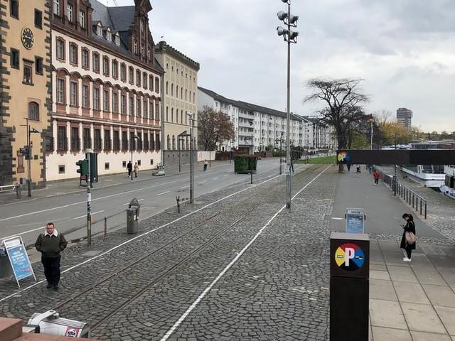 Verkehrsexperiment vor dem Aus: Debatte um Mainkaiöffnung in Frankfurt führt zu nichts