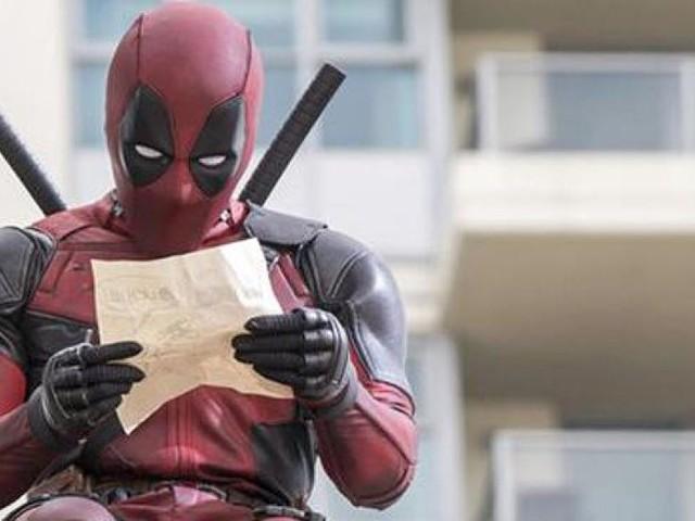 """- """"Ten Year Challenge"""": Deadpool und seine Fans machen sich über die übrigen Marvel-Helden lustig"""