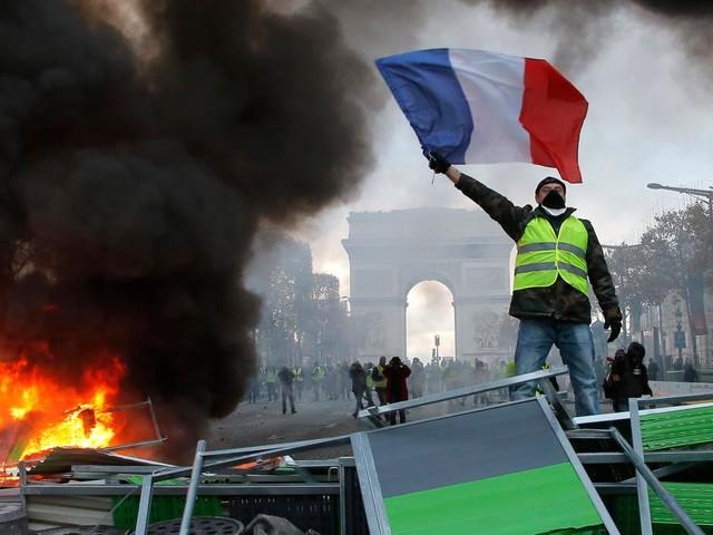 """Ausschreitungen in Paris – """"Wird einen Bürgerkrieg auslösen"""""""