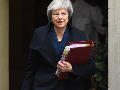 Misstrauensvotum: Falls May über den Brexit stürzt