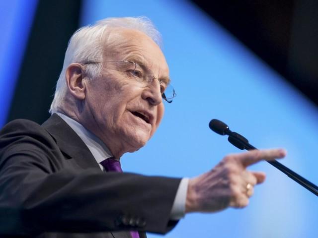 Stoiber: Merkel ist Macht-Übergabe nicht gelungen