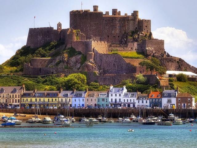Streit um Fischereirechte: Frankreich droht der Insel Jersey mit Stromentzug