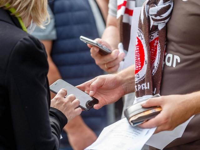 Kommentar: Fahrlässige Rücksichtnahme auf Ultras