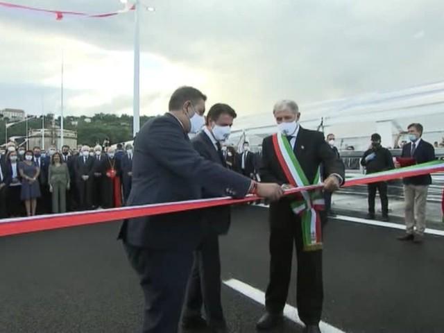 Video: Neue Brücke in Genua übergeben