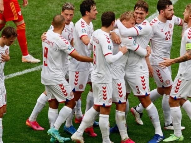 Dänemark überrollt Wales und steht im EM-Viertelfinale