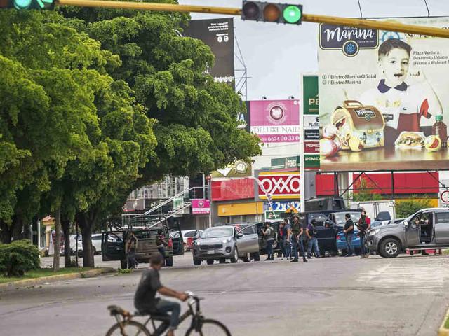 """Medienberichte: Sohn von """"El Chapo"""" im Visier der Polizei - Straßenkämpfe in Mexiko"""