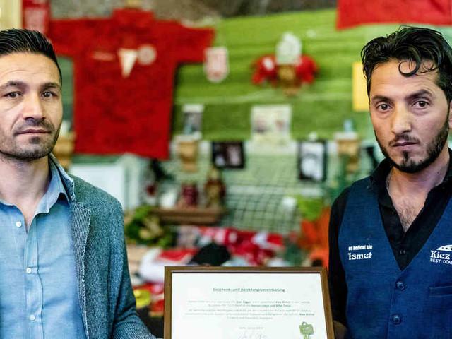 """Nach Terroranschlag in Halle: Betreiber des """"Kiez-Döner"""" verschenkt Imbiss an seine Mitarbeiter"""