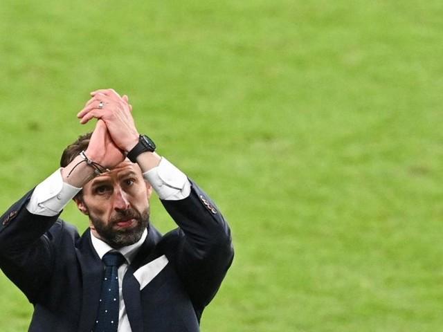 Mancini vs. Southgate: Der Kommissar fordert den Manager