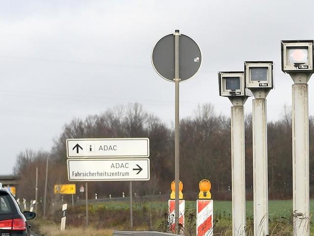 Bundesweit erster Streckenradar - Niedersachsen geht mit neuer Technologie auf Raser-Jagd