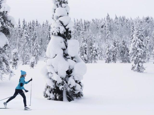 Für Langläufer gibt es Après-Ski mit Nordlichtern