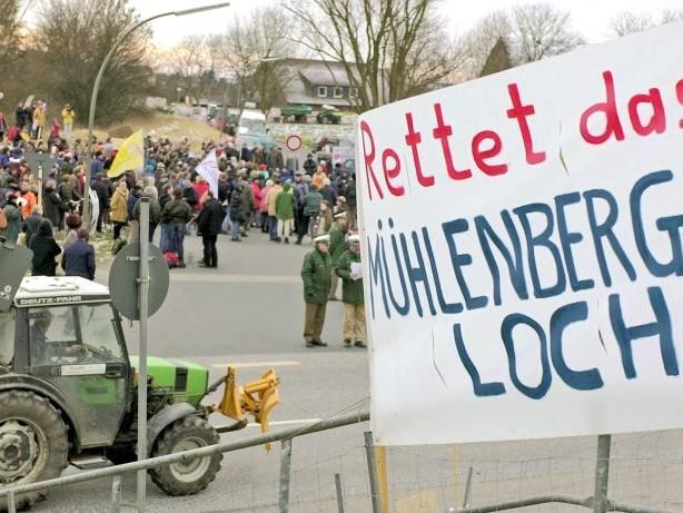 Abendblatt-Serie: Klageflut und Proteste: Der Streit um das Mühlenberger Loch