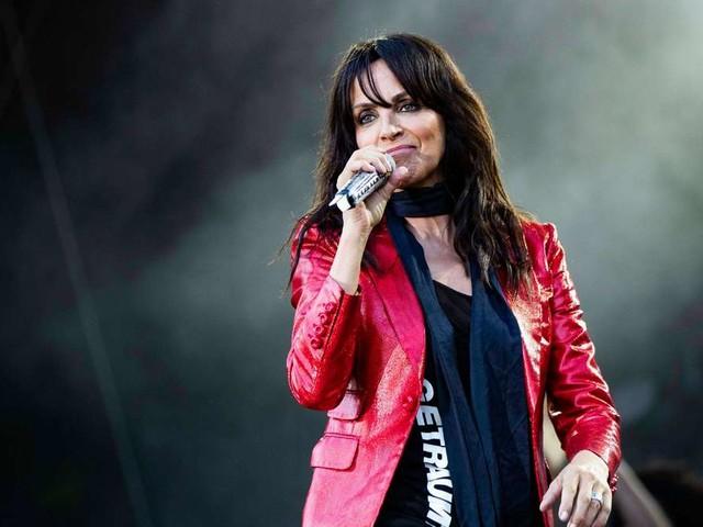 """Nena wütet gegen Corona-Maßnahmen bei Konzert: """"Holt mich mit der Polizei hier runter"""""""