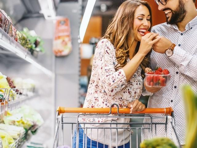 Aldi, Lidl, Edeka & Co. - Am Shampoo riechen, Zeitschriften lesen: Was darf ich beim Einkaufen und was nicht?