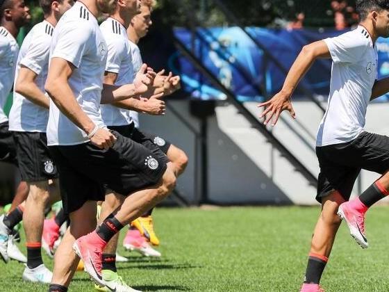 """U21 selbstbewusst gegen Italien: """"PS auf die Straße bringen"""""""