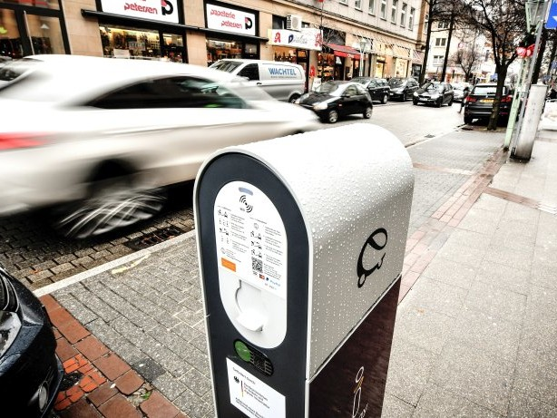 E-Mobilität: In Essen gibt es Streit um die neuen Ladesäulen für E-Autos