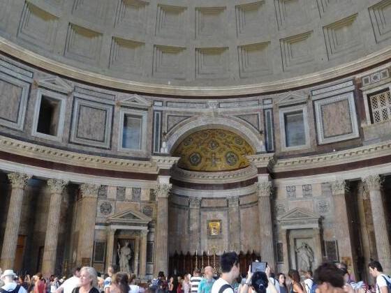 Touristen müssen auch für Pantheon in Rom Eintritt bezahlen