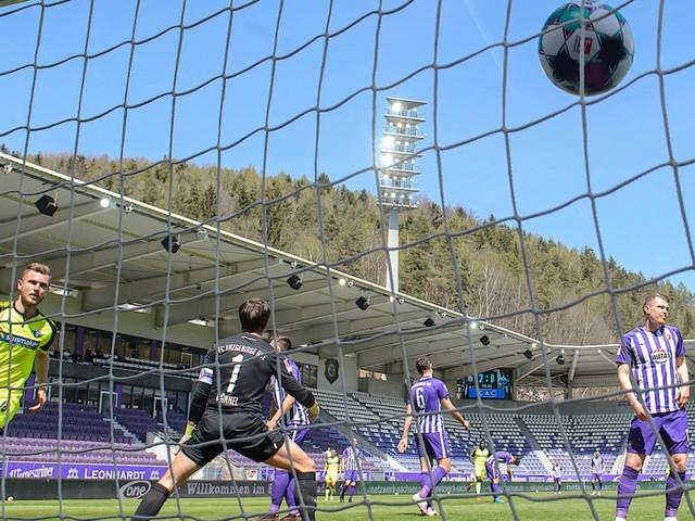 Zweite Liga am Sonntag: Aue verliert 3:8 gegen Paderborn